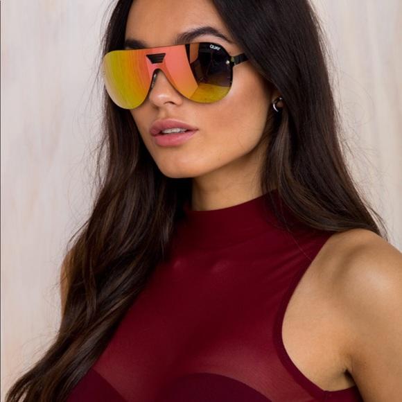 f1a16b63b60ad Sale!! 🔥 New case Quay Showtime Sunglasses Pink